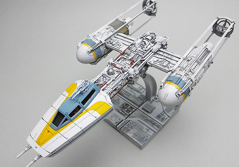 BANDAI 1/72 scale Y-WING STARFIGHTER Gold Squadron Leader